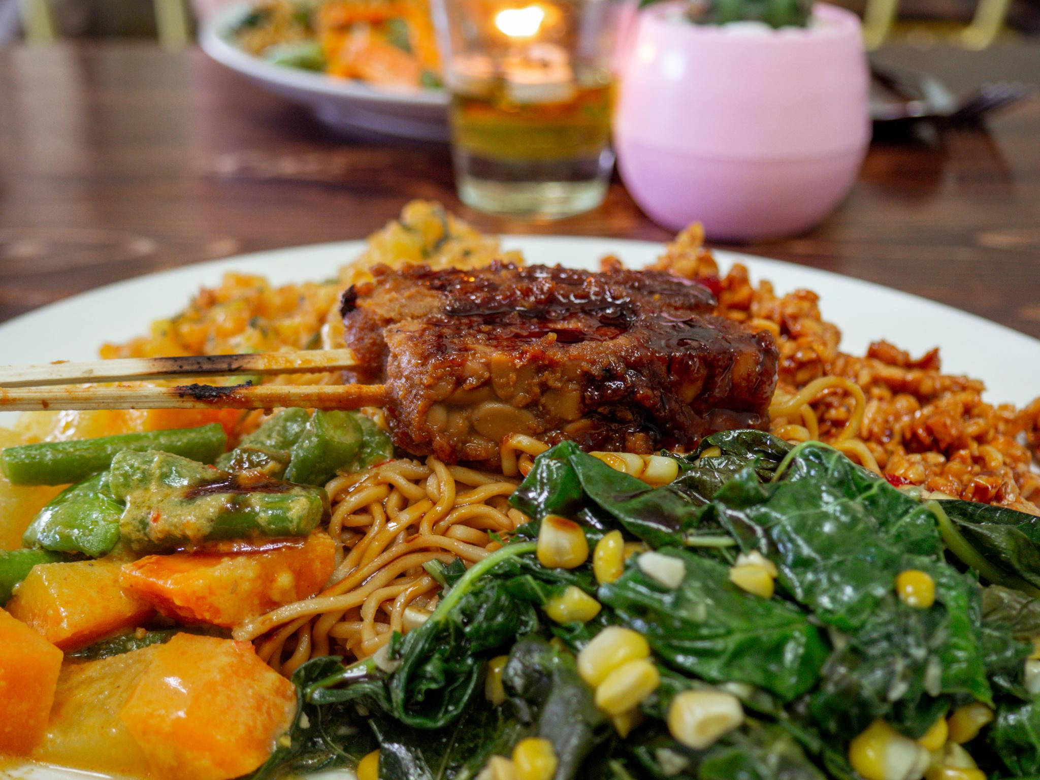 Nasi Campur im Warung Local in Canggu
